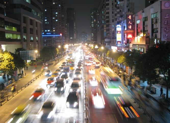Seguridad en la carretera con una buena iluminación